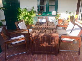 Mesa y sillas jardín de madera