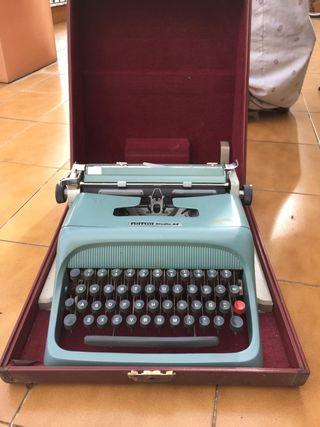 Máquina escribir Olivetti Studio 44