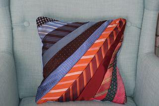 Funda cojín de diseño original corbatas