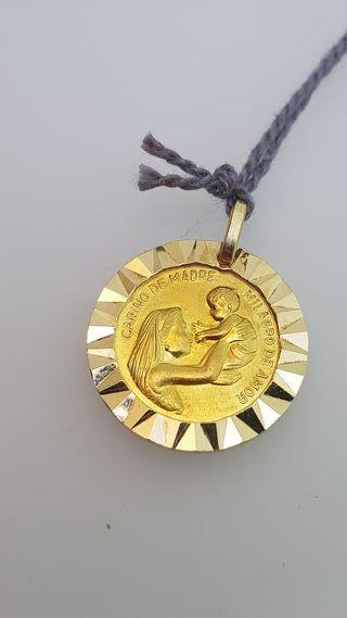 Medalla Dar mucho pedir poco de oro 18K