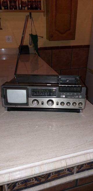 JVC tv color-radio-cassette