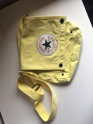 Bandolera Converse amarilla