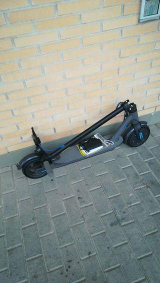 Patinete eléctrico plegable smartGyro Xtreme Black