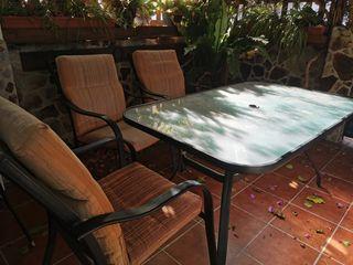 Mesa y 4 sillas de terraza o jardín de aluminio
