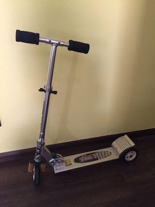 Patinete / scooter plegable y estable