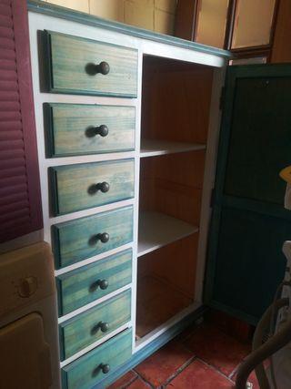 cómoda grande con armario