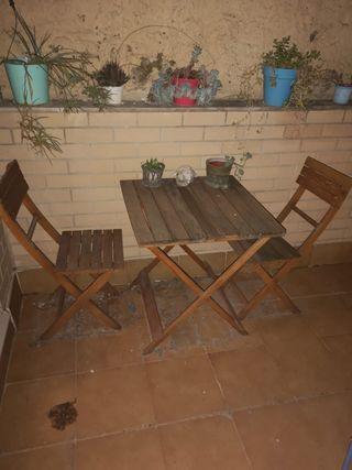 Mesa y 2 sillas de madera para jardín o terraza
