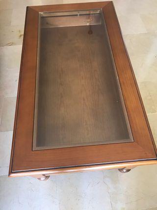 Mesa de centro de madera con expositor