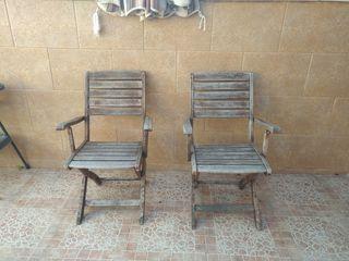 banco y sillas de jardin