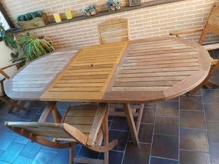 Mesa y sillas Teca