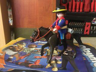Soldado a caballo playmobil