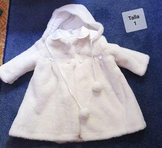 Abrigo pelo blanco talla 1 con capota