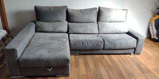 Sofa de 3 plazas con chaise longue.