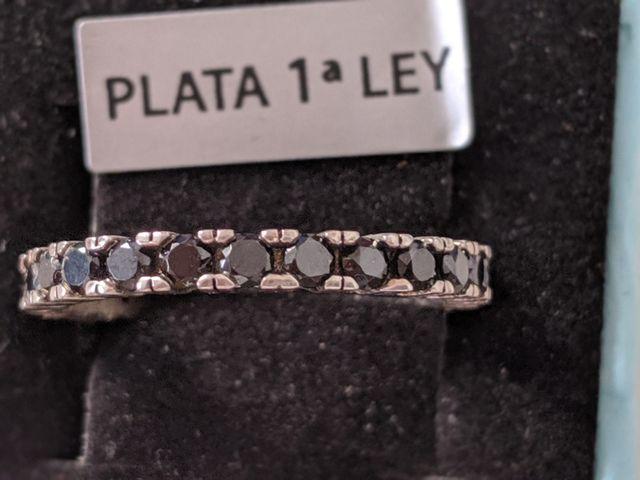 Fino y Delgado Anillo de Plata Ley 925 auténtico.