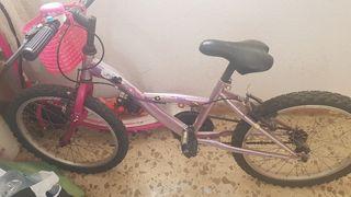 bicicleta de niña en buen estado