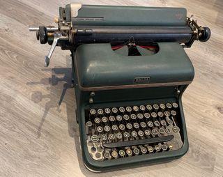 Máquina de escribir HALDA