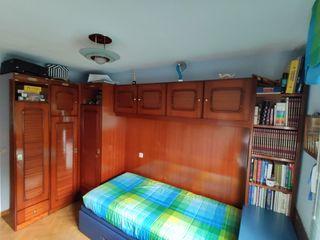 Dormitorio juvenil con cama nido tapizada
