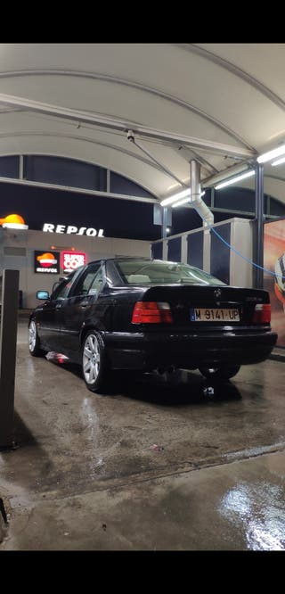 BMW 318IS 1997