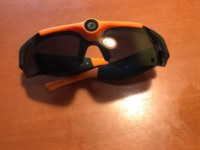 Gafas de sol deportivas con cámara integrada