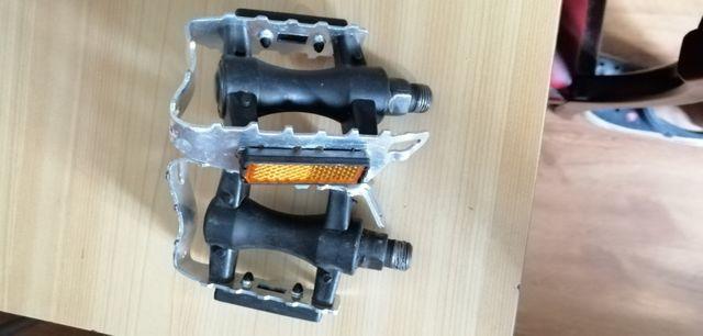 pedales metalicos