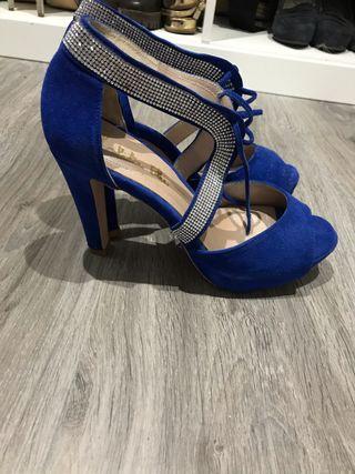 Zapatos azules nuevos 39