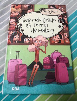 Libro segundo grado en Torres de Malory