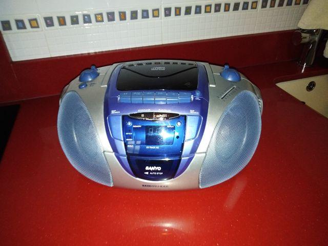 Radio cassete con compactdisc
