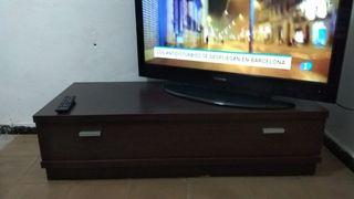 mesa televisión.