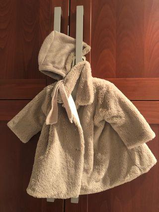 Abrigo bebé de pelo con capota Talla 6