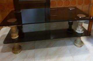 mesa con patas de mármol