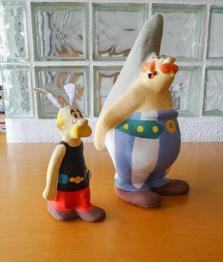 Asterix y Obelix de papel maché