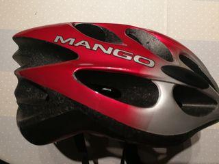 Casco de bicicleta. Marca: Mango. Color: Rojo-Gris