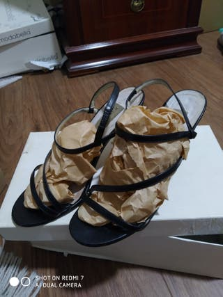 sandalias negras piel Pura López 37