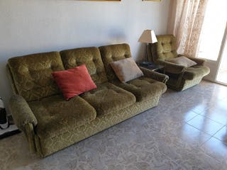 Sofa de 3 plazas y sillón.