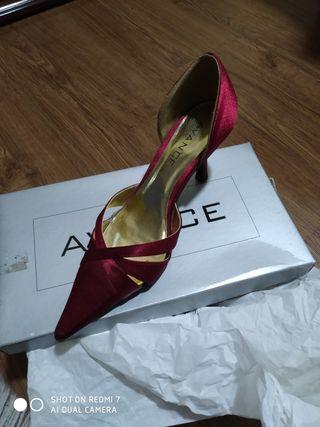 zapatos fiesta color guinda.38