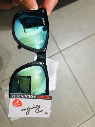 Vendo gafas de sol polarizadas marca ray ban