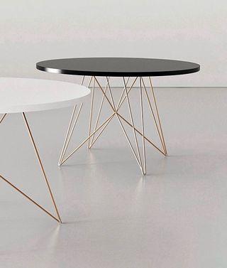 Mesa diseño redonda patas en cobre Magis Italia