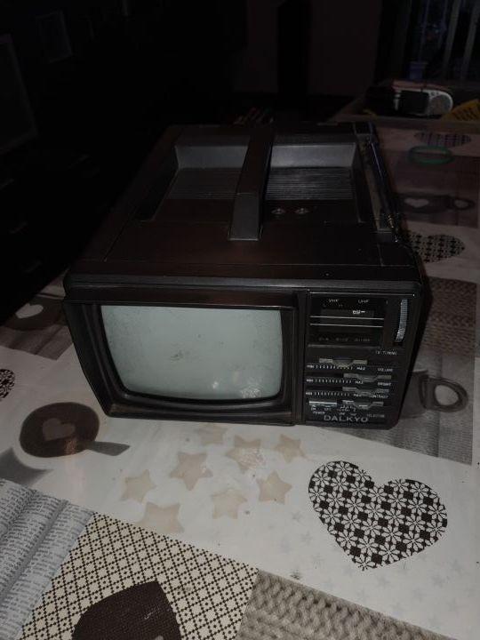 radio televisión pequeña