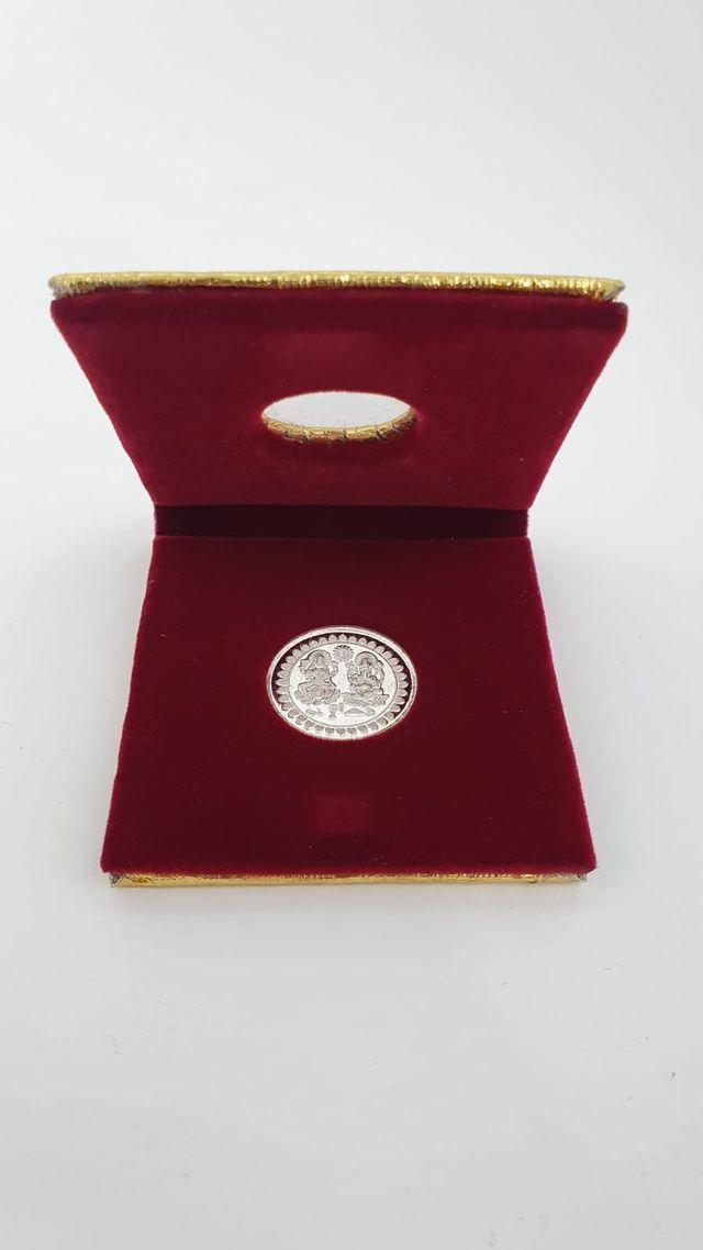 Moneda de plata de ley