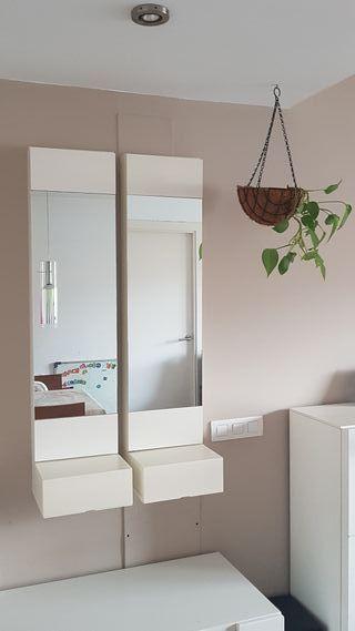 Recibidor blanco con espejo