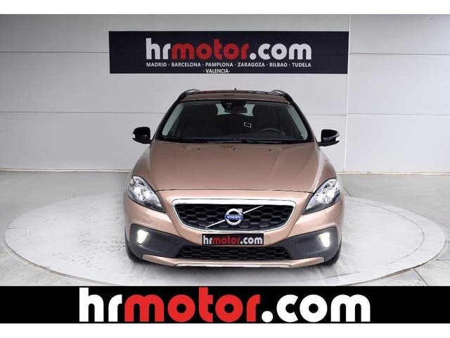VOLVO V40 Cross Country D2 Momentum 120