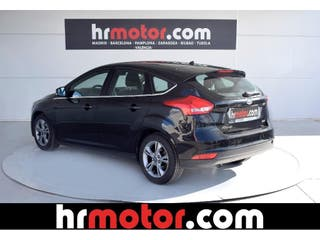 FORD Focus 1.0 EcoB. ST-Line Black&Red Ed. 125