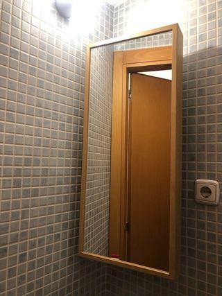 Espejo con armario