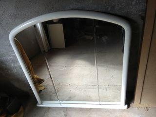 Espejo lacado en blanco de madera