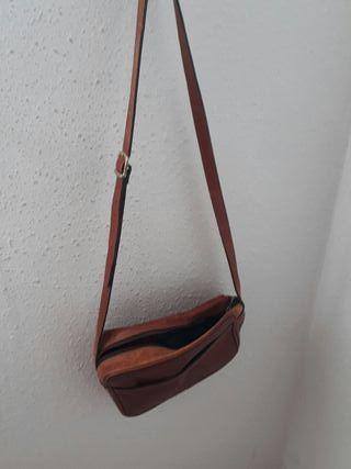 bolso de piel marron