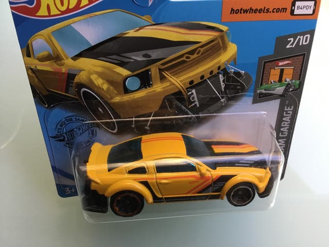 Hot wheels Ford Mustang 2005