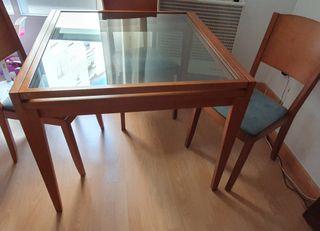 Mesa madera extensible y 4 sillas