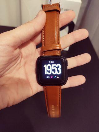 Fitbit versa + 3 correas + cargador