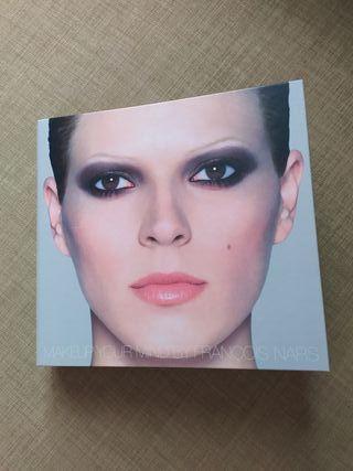 Libro de maquillaje NARS