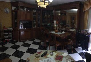 Mueble de salón con mesa y 6sillas de madera